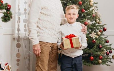 Pomysł na prezent dla dziadka: komplet kalesony i podkoszulki.