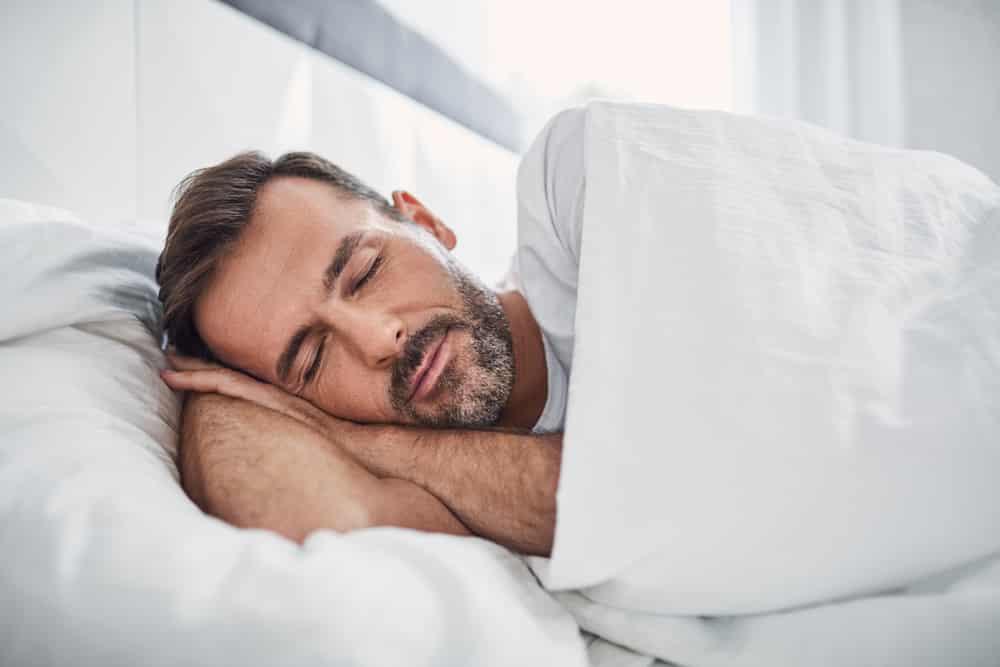 śpij w kalesonach